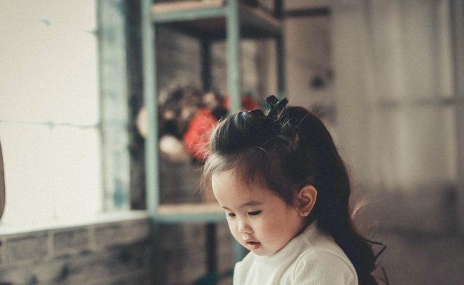 pexels kha ruxury 913179 1 650x400 - Colicky Baby Brain Chemistry